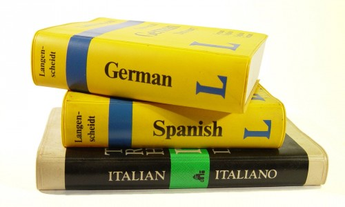 guidebooks-1425706